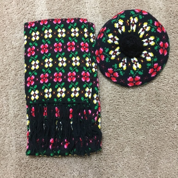 7602a53e Vintage Accessories | Nwot 70s Colorful Knit Scarf And Hat Set ...